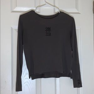 Gray graphic long sleeve